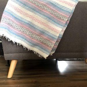 Pastel pink & blue Navajo Mexican falsa blanket